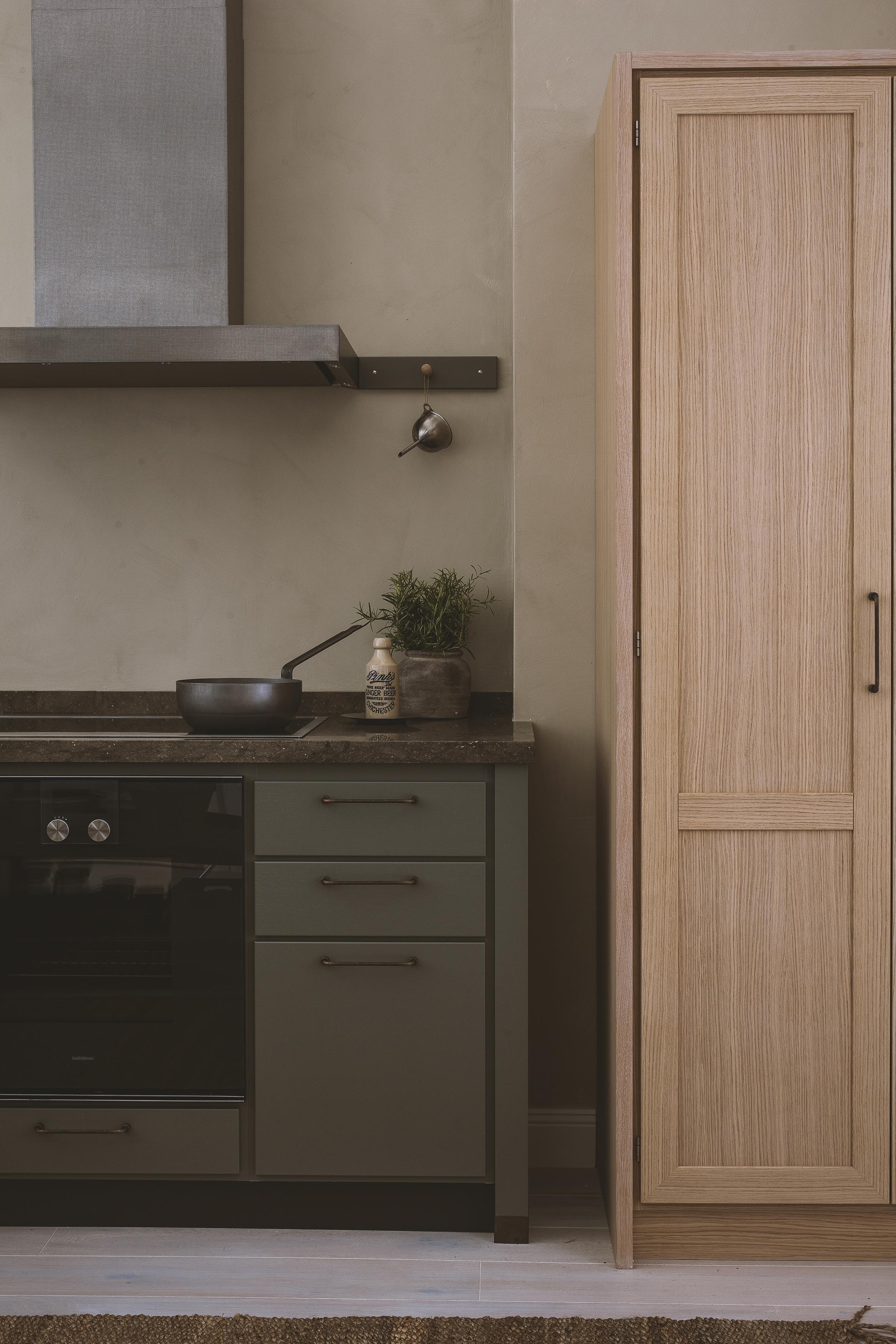 Kvänum med nytt kök och lyxigt dressingroom   inredning & guldkanter